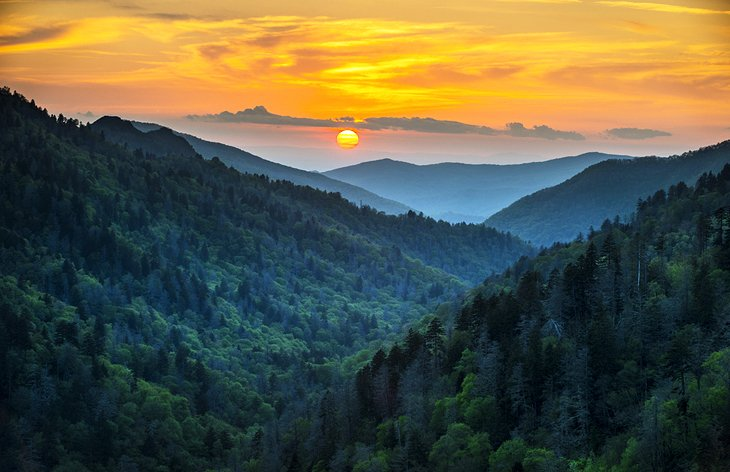 14 top rated tourist attractions in tennessee planetware for Best mountain view cabins in gatlinburg tn