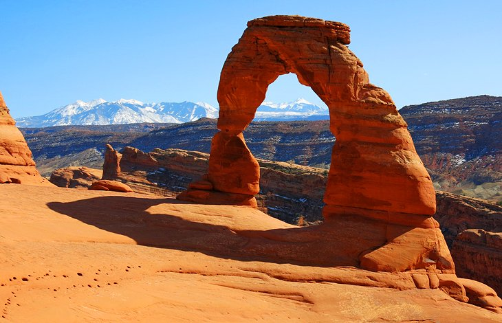 12 top rated hiking trails in utah planetware1 delicate arch, arches national park
