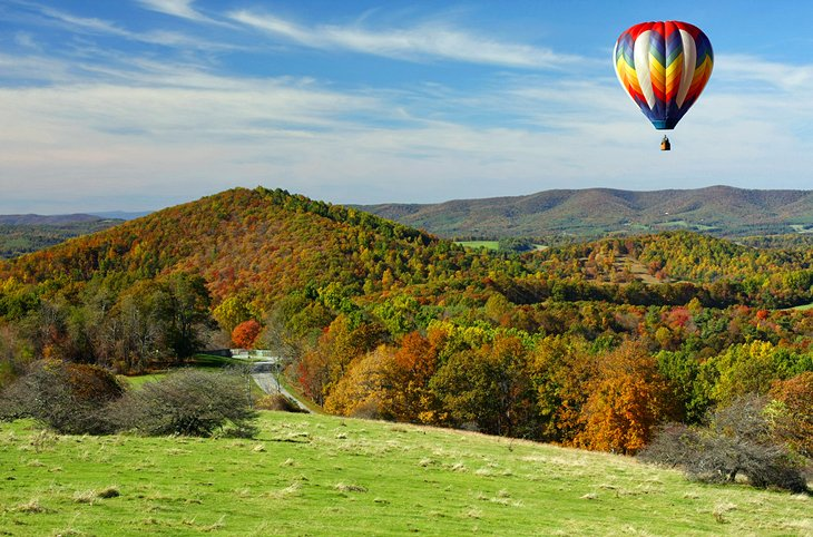 http://www.planetware.com Soar over the Blue Ridge Mountains in a Hot Air Balloon