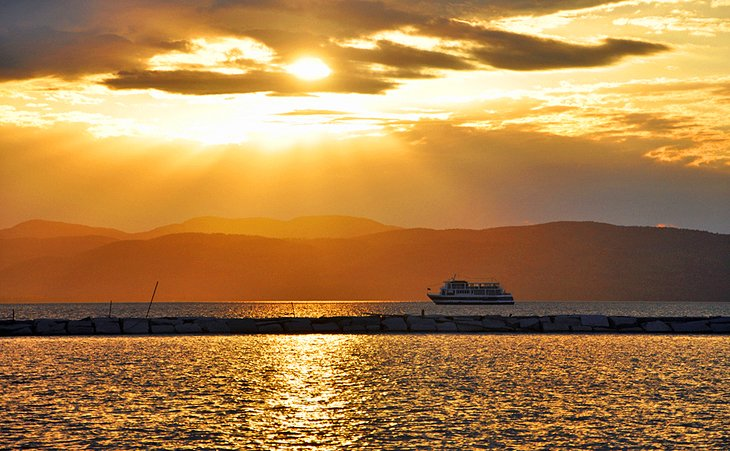 Cruises on Lake Champlain