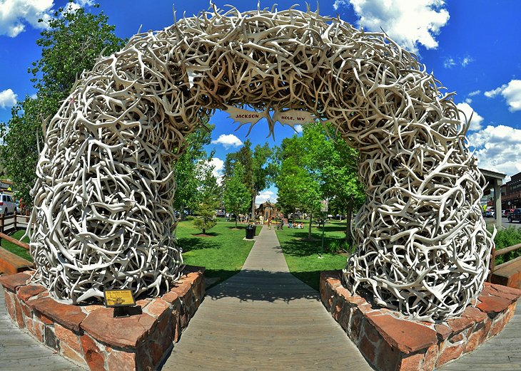 10 top rated tourist attractions in jackson hole planetware for Towns near jackson hole wyoming