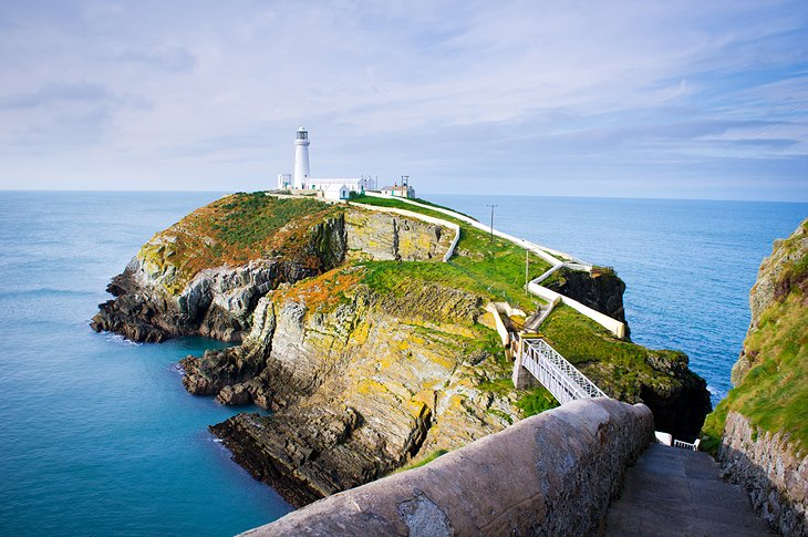 5 Popular Holiday Destinations in Wales