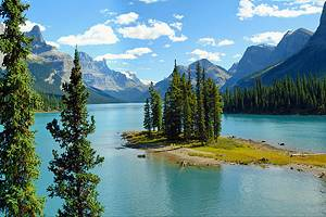 12 Top-Rated Tourist Attractions in Alberta