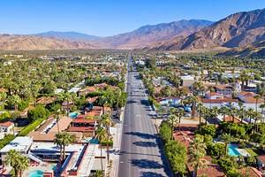 A Visitor's Guide to Exploring Downtown Palm Springs, CA