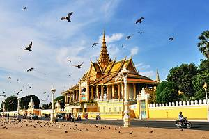 Where to Stay in Phnom Penh: Best Areas & Hotels