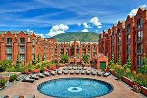 10 Best Resorts in Aspen, CO
