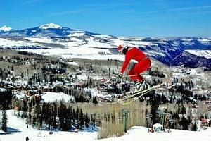 16 Best Christmas Towns in Colorado