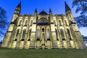 Exploring the Top Attractions of Durham Cathedral