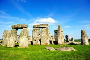 From London to Stonehenge: 4 Best Ways to Get There