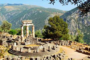 Visiting Delphi from Athens: Highlights, Tips & Tours