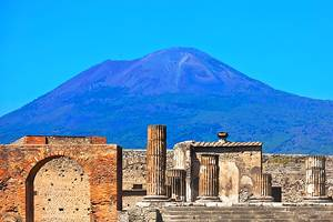 From Naples to Pompeii: 3 Best Ways to Get There