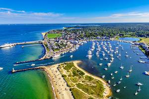 From Boston to Martha's Vineyard: 6 Best Ways to Get There