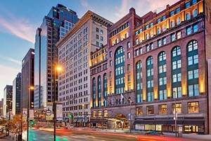 17 Top-Rated Hotels in Cleveland
