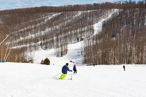 12 Top-Rated Ski Resorts near Toronto