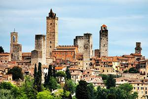 8 Top Tourist Attractions in San Gimignano & Easy Day Trips