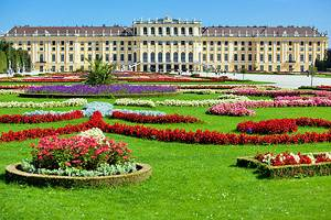 Exploring Vienna's Schönbrunn Palace: A Visitor's Guide