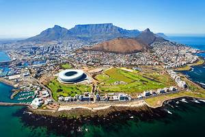 12 Top Tourist Attractions in Cape Town & Easy Day Trips