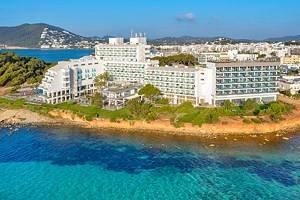 11 Top-Rated Resorts in Ibiza