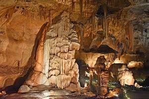 10 Top-Rated Caverns in Texas