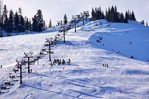 10 Top-Rated Ski Resorts in Washington State, 2021