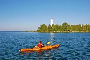 Door County Kayaking: 16 Best Locations