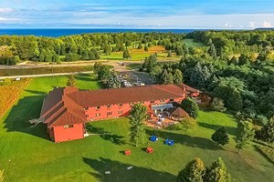 11 Top-Rated Hotels in Sister Bay, WI