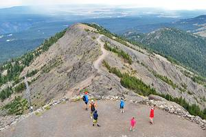 12 Top-Rated Hiking Trails in Yellowstone National Park