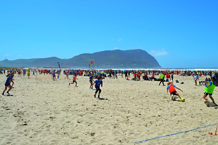Fútbol de arena en Seaside Beach