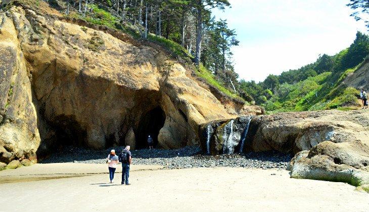 Cascada en Arcadia Beach