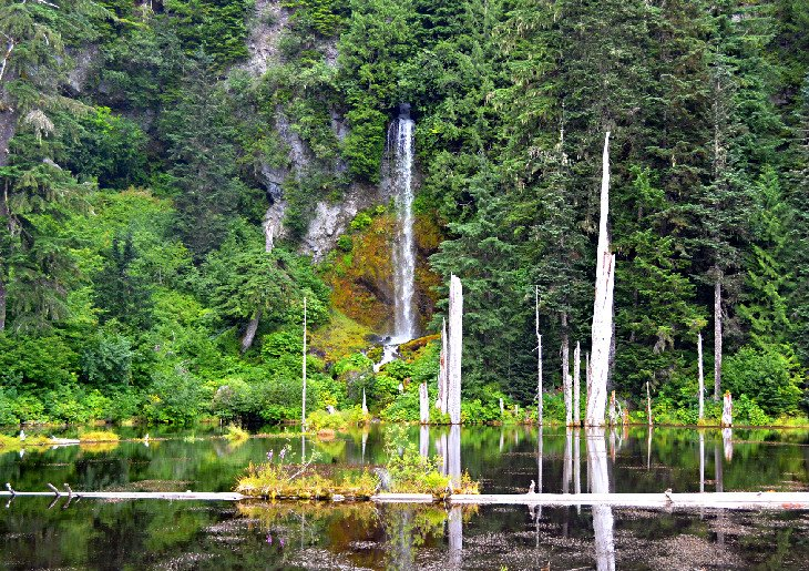 Cascada en June Lake