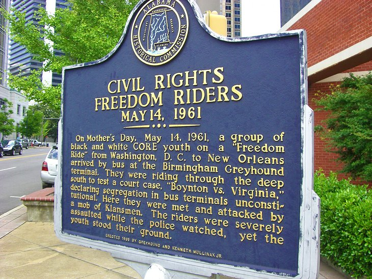 Plaque commemorating the Freedom Riders