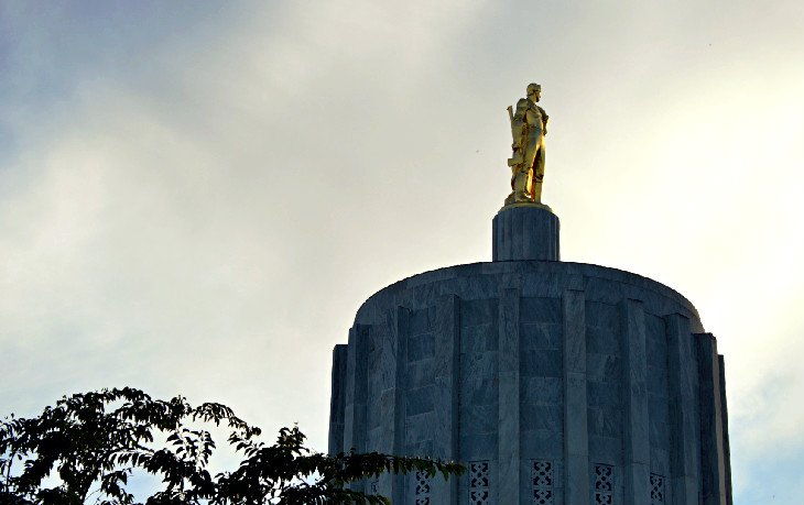 Gilded Oregon Pioneer atop the State Capitol in Salem