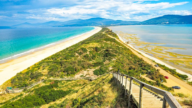 Major tourist attractions in tasmania