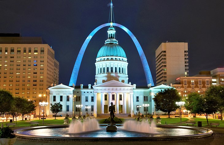 Where to Stay in St. Louis: Best Areas & Hotels | PlanetWare on st. louis restaurants downtown, st. louis city map, st. louis county map, orange county convention center map, st. louis zip code map printable, st. louis casinos map, st. louis airport map, st. louis lodging map, dome st. louis hotels map, st. louis forest park map, st louis attractions map, st. louis hotels near convention center map, st. louis downtown attractions, st. louis metro map, st. louis hosptial locations on map, st. louis nightlife downtown, st. louis highway map, columbia hotels map, st. louis skyline downtown, st. louis to atlanta map,