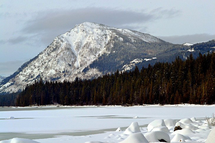 Lake Wenatchee State Park in winter