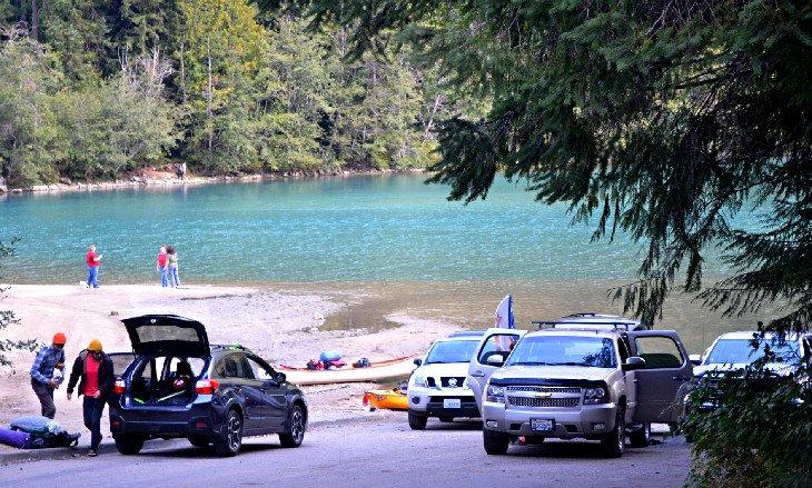 Acceso al lago Diablo en Colonial Creek