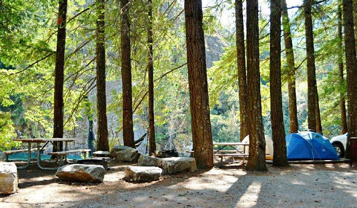 Lugares para acampar junto al lago en Gorge Lake