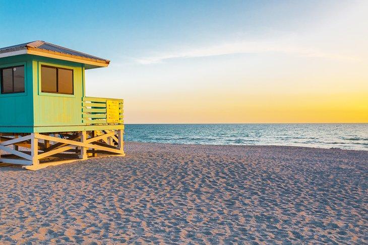 Amanecer en la playa de Venecia