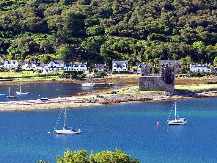 The village of Lochranza on the Isle of Arran