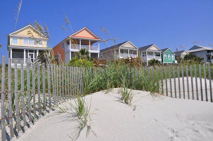 Coloridas casas de playa en Family Beach, Surfside
