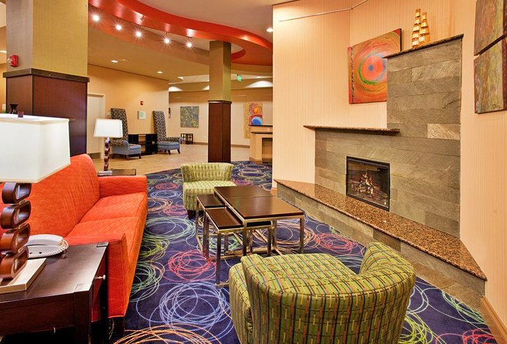 17 Top-Rated Hotels in Omaha, NE  PlanetWare