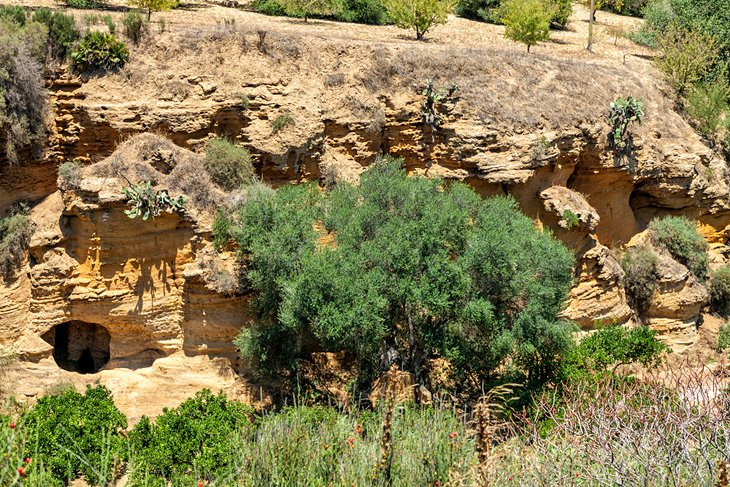 11 Top Tourist Attractions in Agrigento & Easy Day Trips ...