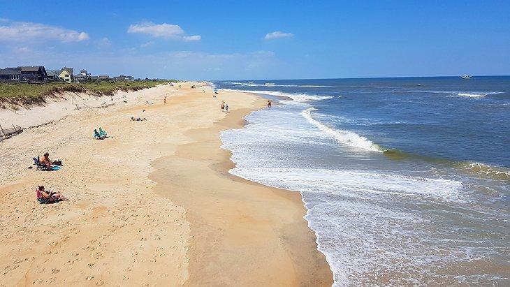 Vista desde el muelle de Avon sobre la playa