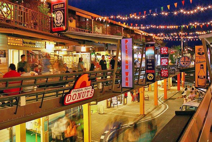 Ночной шоппинг в Plearn Wan