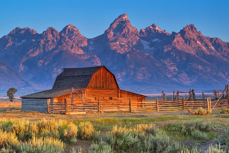 Moulton Barn with the Grand Tetons in the distance