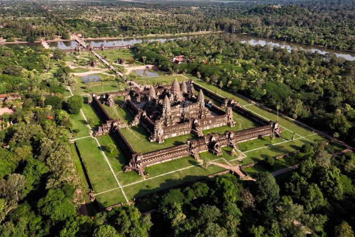 Аэрофотоснимок храма Ангкор-Ват.
