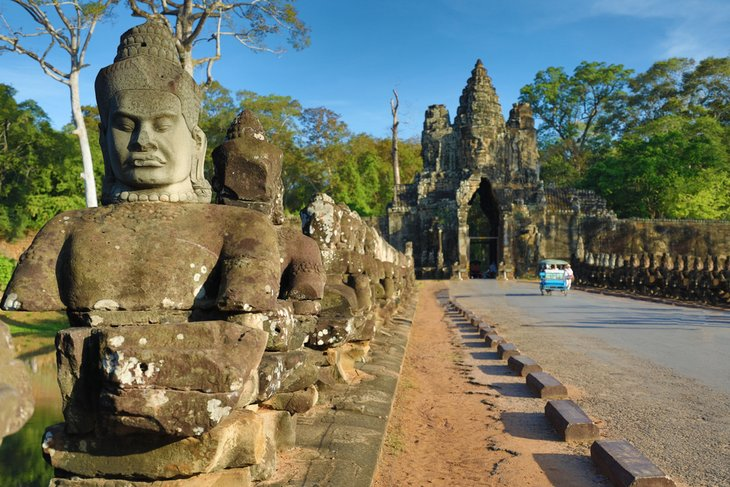 Южные ворота Ангкор Тома, Сием Рэп.