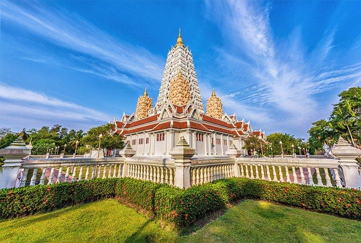 Храм Ват Янсангуарарам около Паттайи