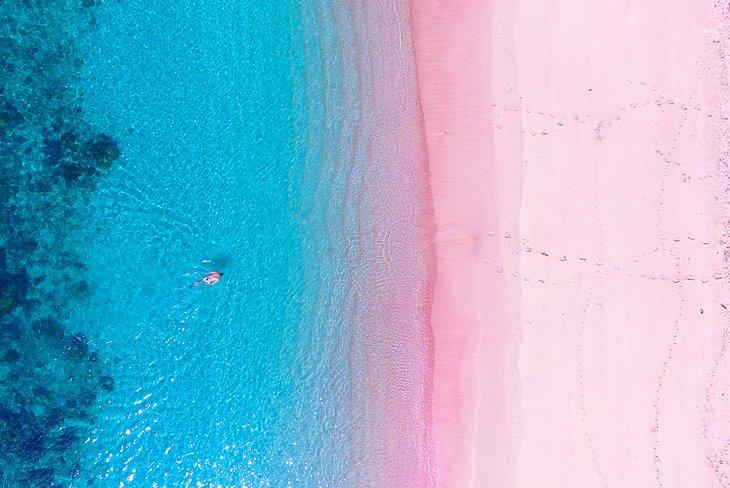 Аэропорт Розового пляжа в Национальном парке Комодо