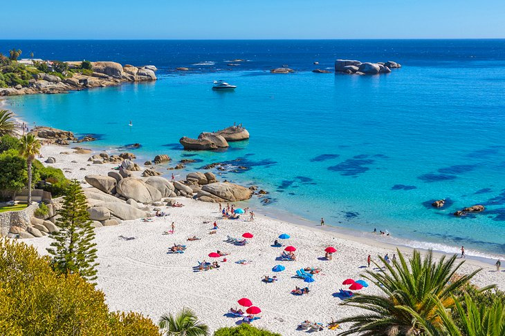Praia de Camps Bay na Cidade do Cabo